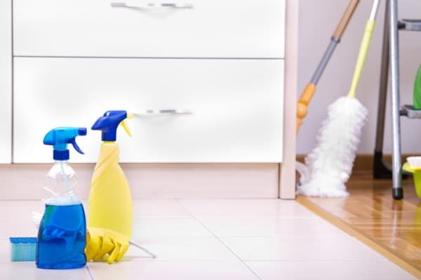 cleaning solutions for floor