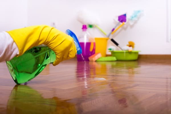 r&r won't affect your wooden floor